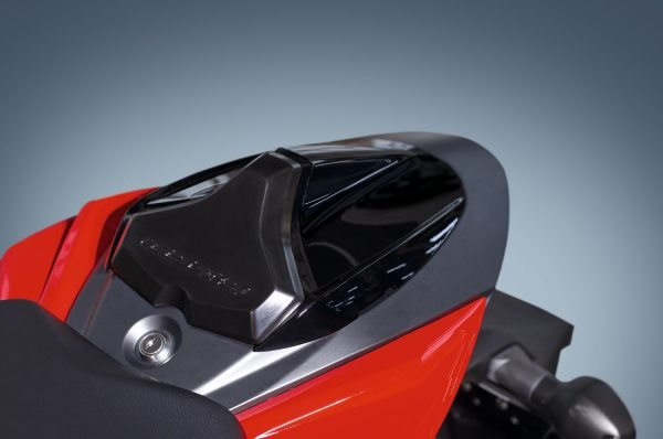 Buddy cover glanzend zwart GSX-S 750